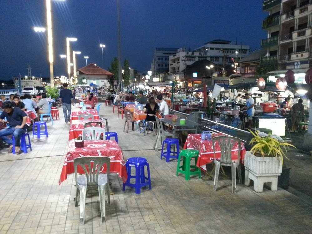 Food stalls at Surat Thani Night Boat Pier