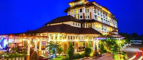 Royal Nakhara Hotel near Nong Khai Train Station