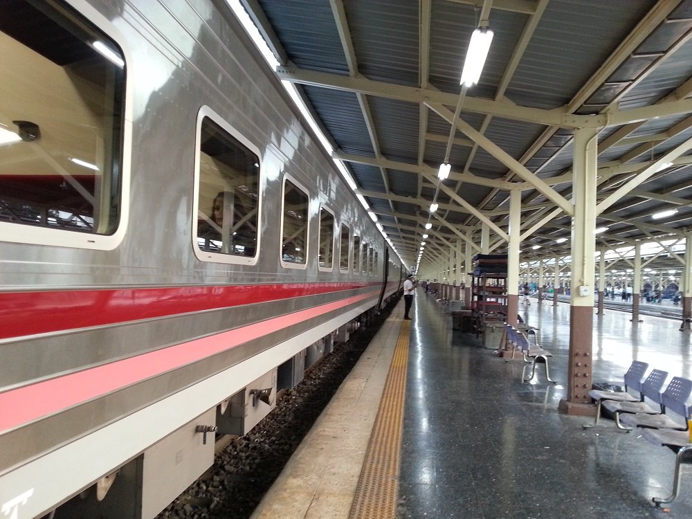 The 18.10 train from Bangkok to Chiang Mai
