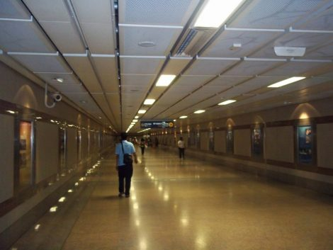 The underpass goes all the way from the train station to the DOB building