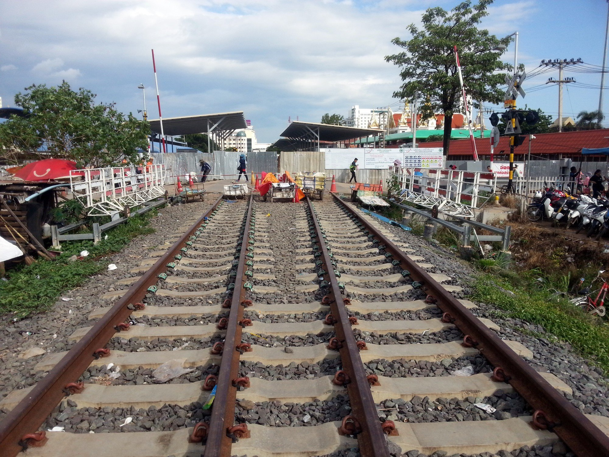 The train line from Aranyaprathet stops at the Border