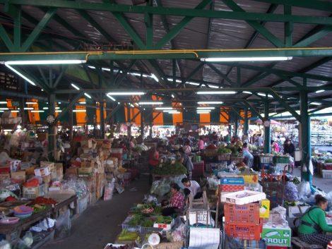 Rotfai Thonburi Market